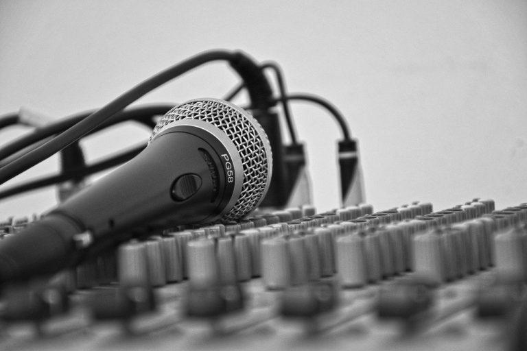 music, microphone, score-1792286.jpg