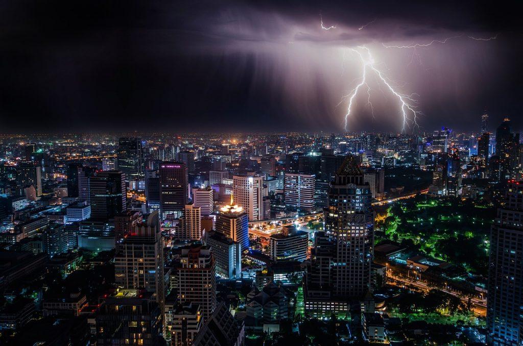 lightning, city, night-1082080.jpg